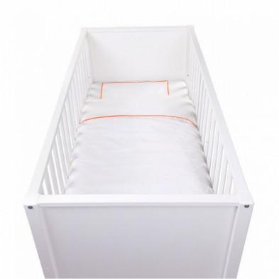 Housse de couette et drap d'oreiller design coloris blanc avec des broderies oranges sur les côtés 100% coton L. 140 x P. 100 cm Collection Fien